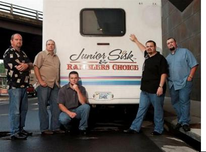 Junior Sisk & Ramblers Choice with bus