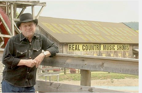 Ronnie Reno joins Renfro Valley Entertainment Center to celebrate 75 years of the Renfro Valley Barn Dance