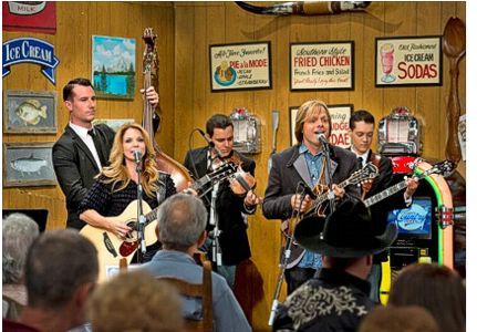 The Roys at Larry's Country Diner