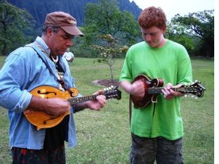 Bluegrass in the Ko'olaus